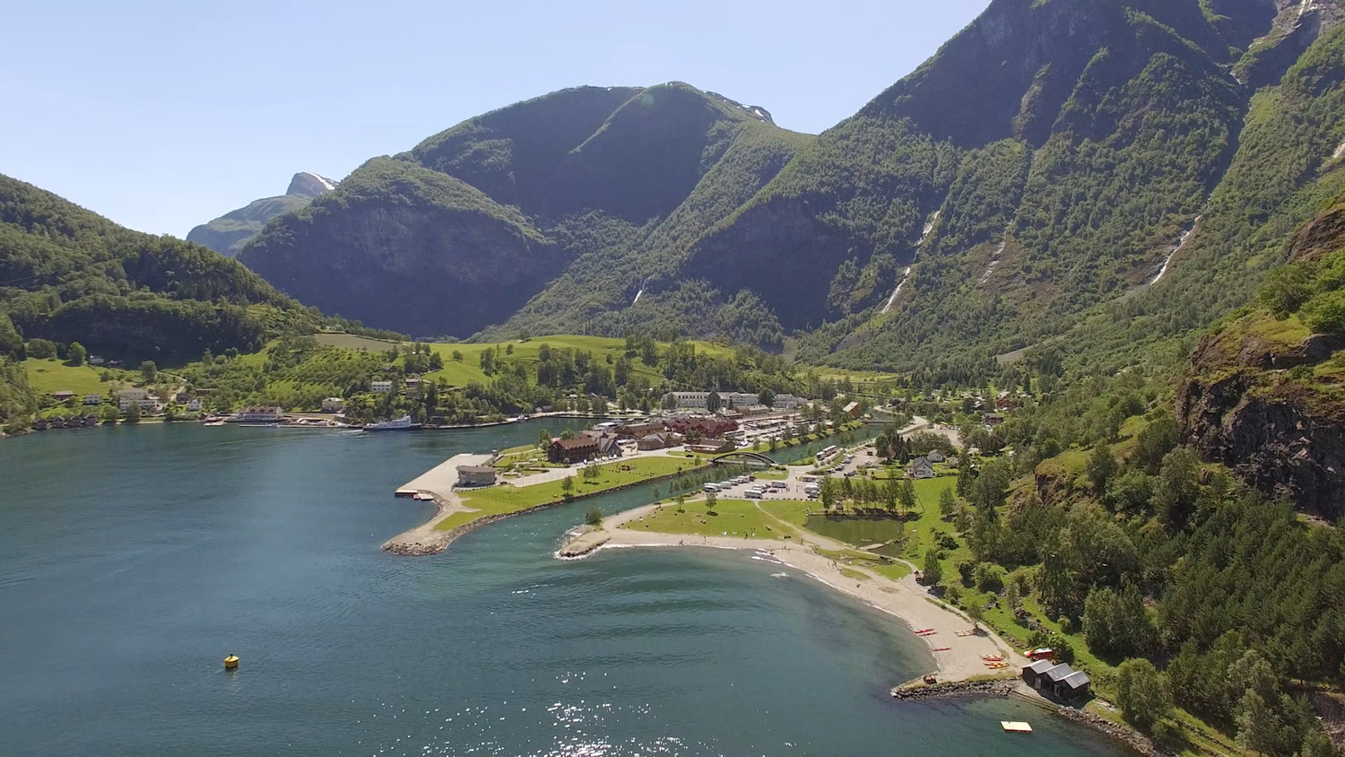Places to visit in Norway  - Flåm