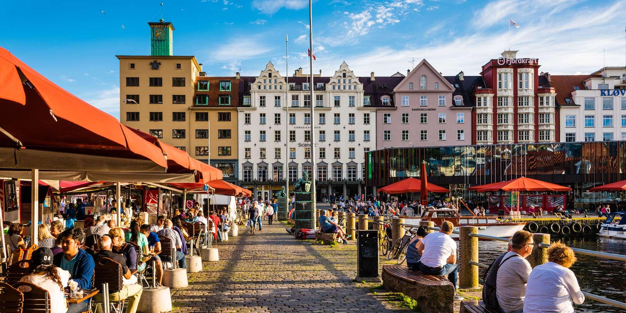ผลการค้นหารูปภาพสำหรับ fish market Bergen norway